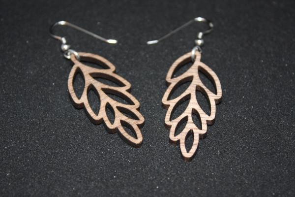 Ohrhänger-Roggen-Silber-Nussholz-5cm-Länge