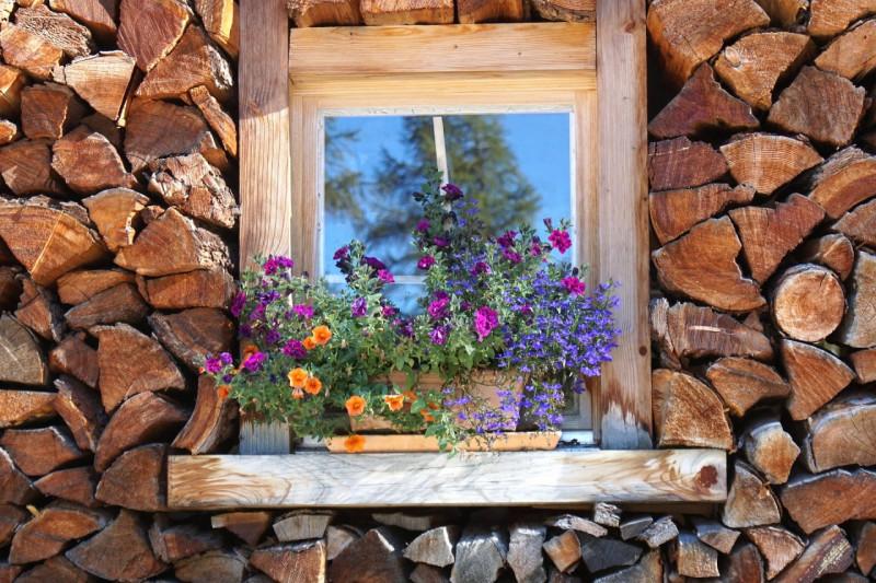 Holzschmuck,Bürobedarf aus Holz, Gastroartikel aus Holz, Holzohrstecker, La-Mia